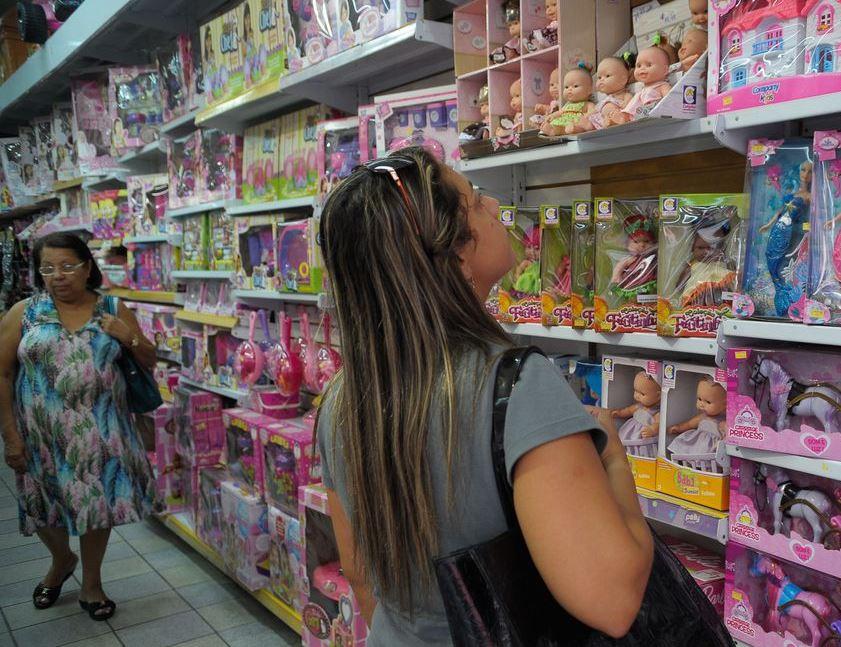 Comércio varejista cresce 2,9% de outubro para novembro, diz IBGE