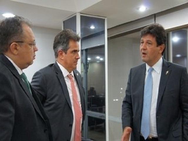 Florentino Neto solicita ao ministro da Saúde recursos para obras e serviços no Piauí