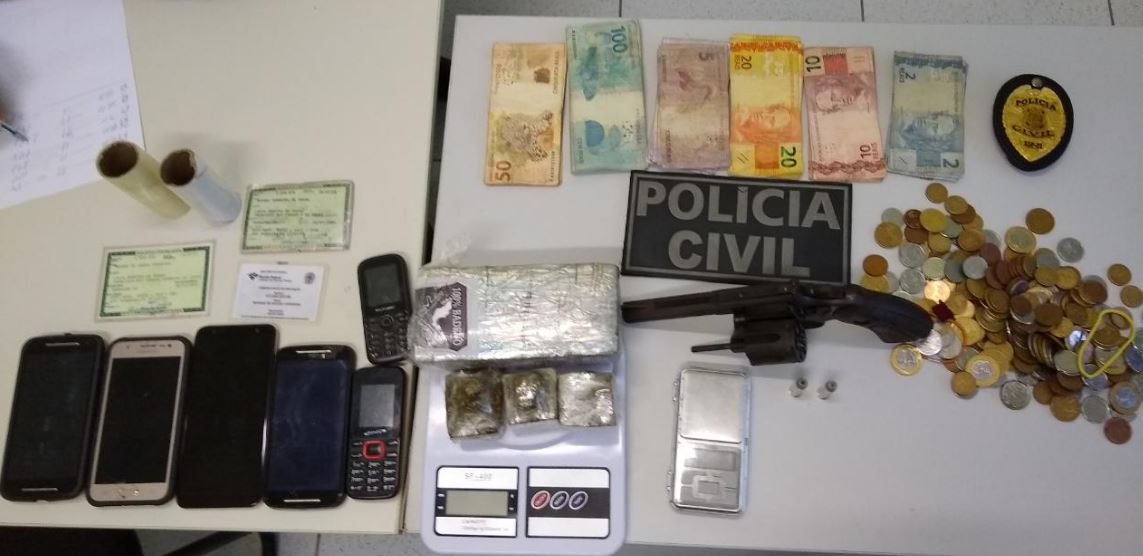 Operação policial prende três acusados de tráfico de drogas em Parnaíba