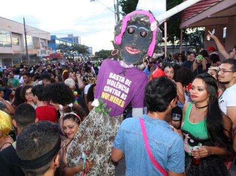 Entenda a lei de importunação sexual, que já levou à prisão de foliões no carnaval