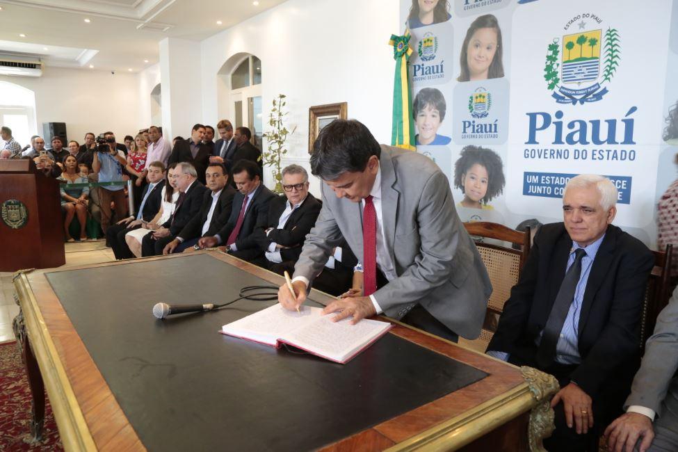 Governador Wellington Dias empossa novo secretariado em solenidade no Karnak