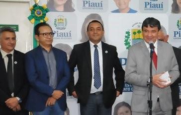Dr. Hélio pede implantação do Curso de Jornalismo na UESPI em Parnaíba