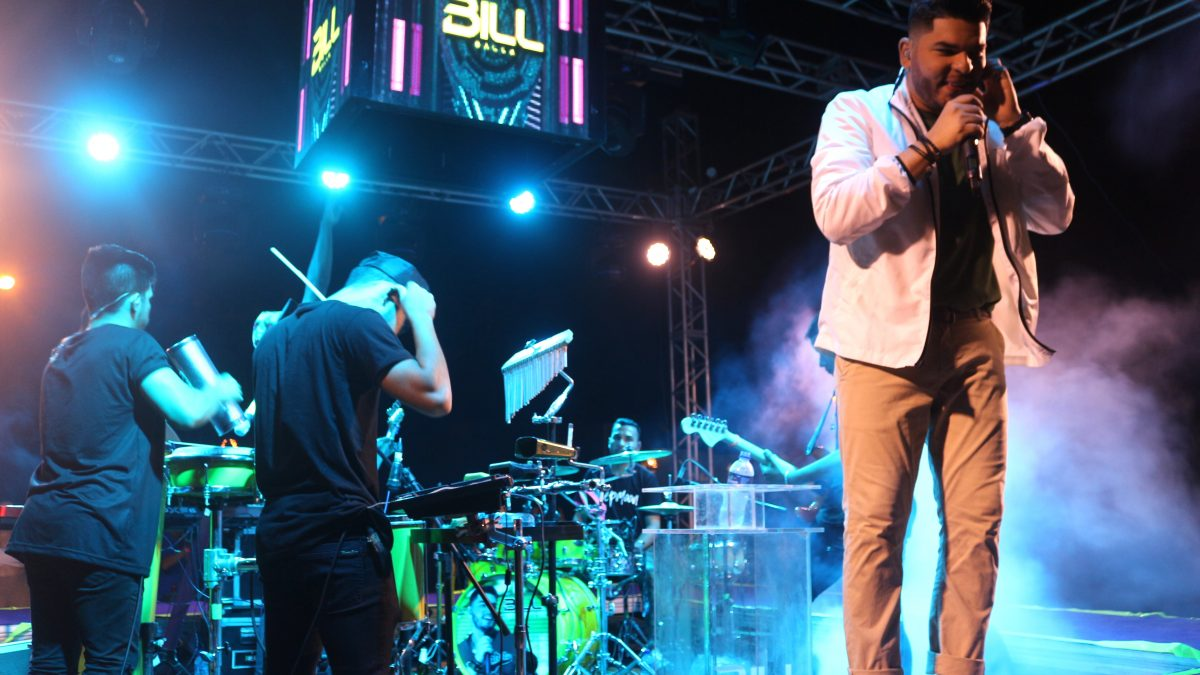 Um fenômeno da Música Parnaibana chamado Bil Balla
