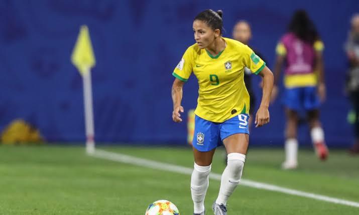 TV Costa Norte, através da TV Cultura, volta a transmitir futebol com voz feminina na narração