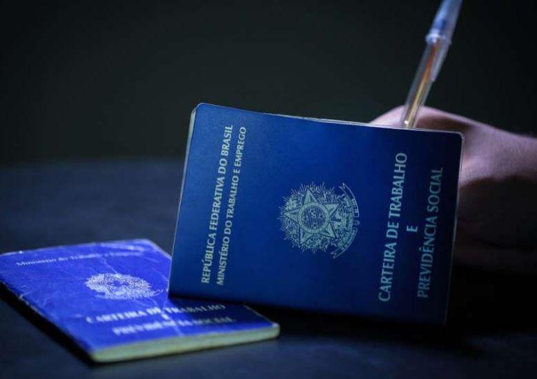 País cria 121,4 mil vagas de emprego formal em agosto