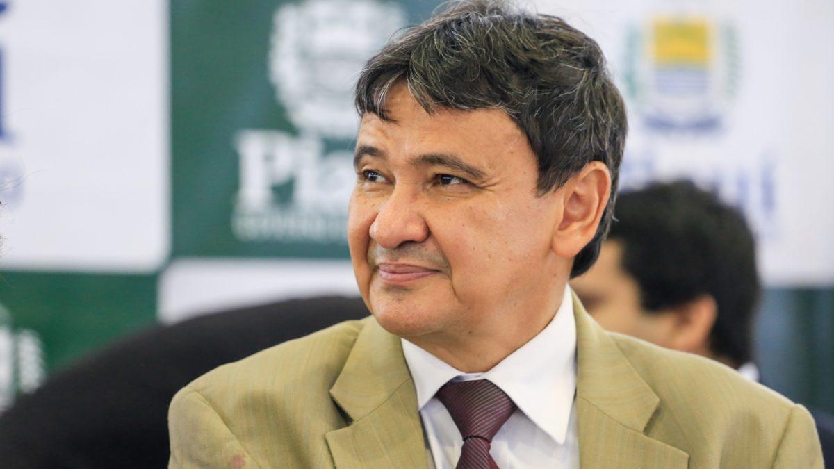 Governo do Piauí vai garantir pagamento de bolsas para estudantes universitários