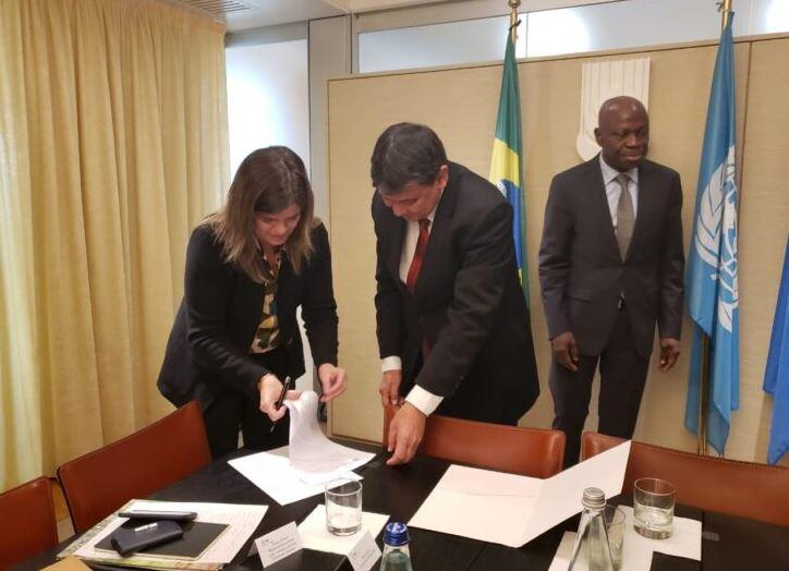 Wellington entrega carta de intenções para renovação de contrato com o Fida