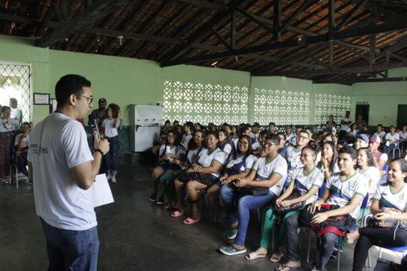 Cojuv realiza ação em escolas do litoral nesta semana