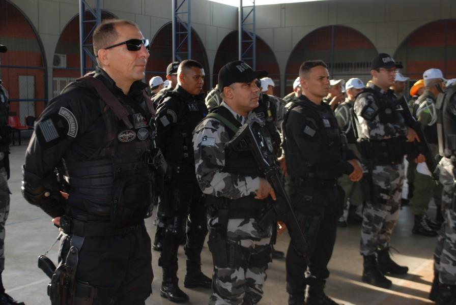 Polícia Militar envia reforço de mais de 100 PMs para o litoral