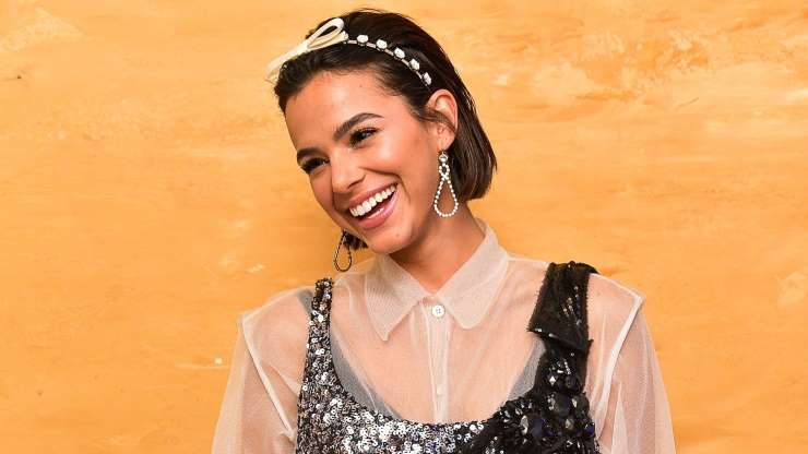 Bruna Marquezine surpreende em comercial ao cantar em inglês