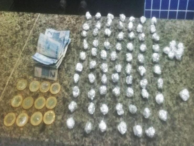 Venda de drogas é desarticulada durante policiamento ostensivo