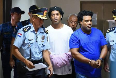 Nova audiência hoje define futuro de Ronaldinho na prisão, no Paraguai