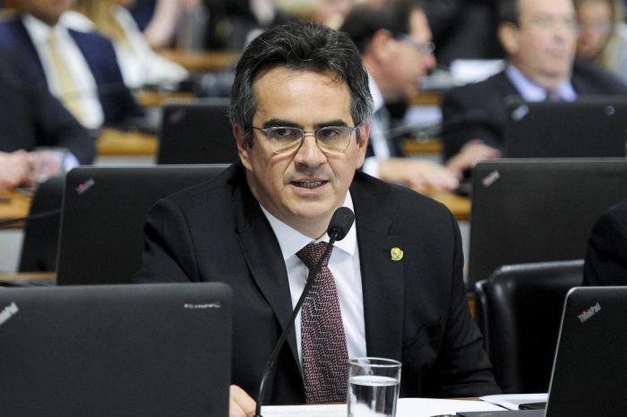 Ciro Nogueira quer Senado fazendo sessão aos sábados