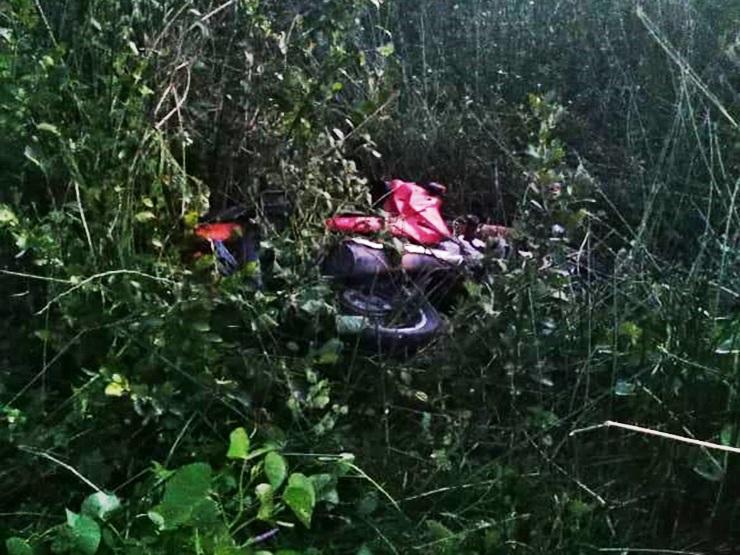Polícia Militar recupera moto roubada em um matagal
