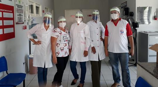Curso de Engenharia de Pesca da UFDPar confecciona EPI's para profissionais da saúde