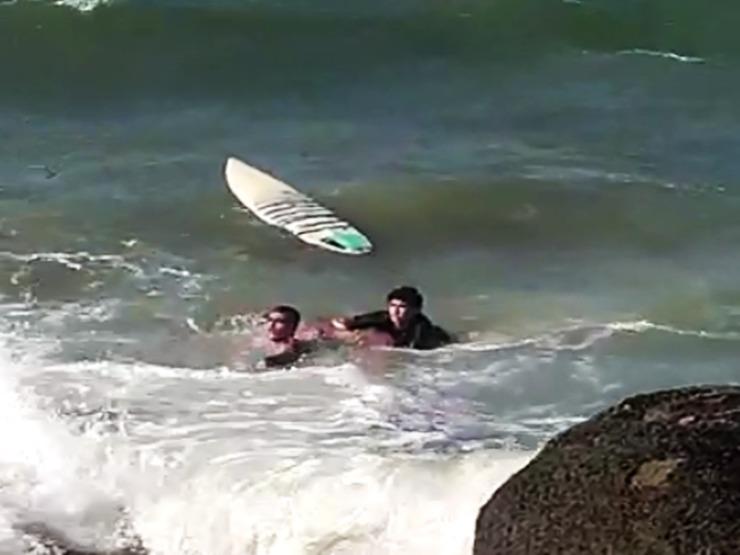 Jovem de Teresina morre vítima de afogamento da praia da Pedra do Sal
