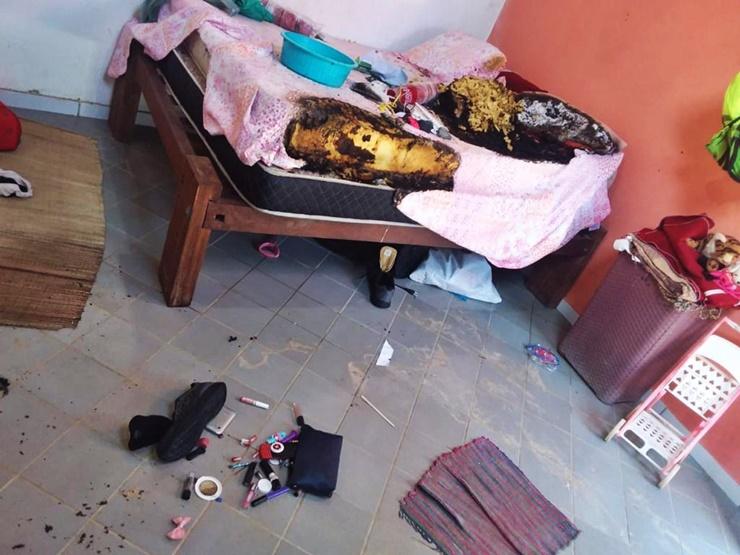 Polícia flagra incêndio em casa, após denúncia de violência doméstica no Cajueiro da Praia