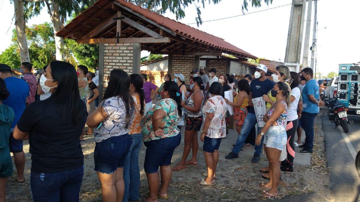 Falta de água motiva protesto no município de Ilha Grande